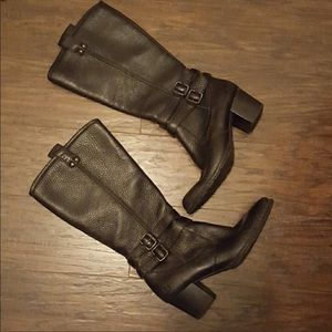BORN Pebbled Leather Comfort Boots